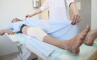 Одежда для лежачих больных: специальные принадлежности и их особенности