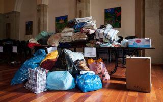 Сбор вещей для помощи дому престарелых: что всегда необходимо, как и куда пожертвовать
