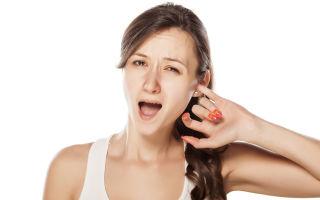 Почему чешутся уши у человека: сертная пробка и отит
