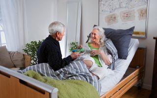 Как оформить уход за пожилым человеком или лежачим больным – особенности и нюансы
