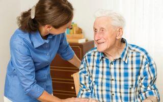 Как оформить социальный уход за пожилыми людьми: необходимые документы, льготы и выплаты