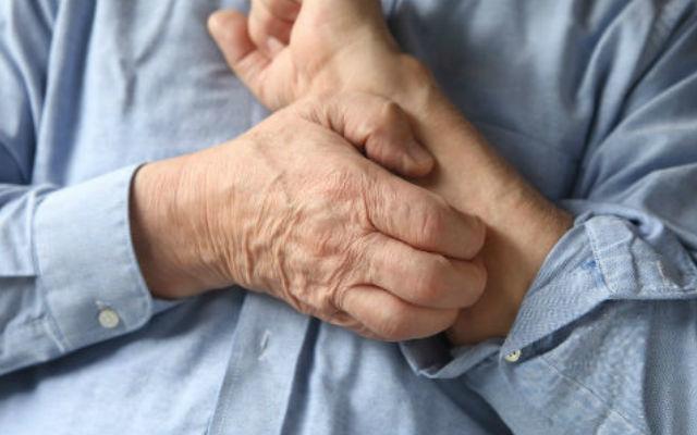 Старческий зуд кожи: причины и лечение у пожилых