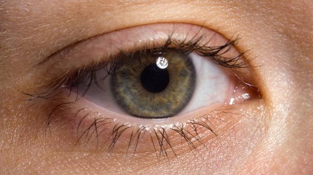 Отслойка сетчатки глаза: причины, симптомы и лечение