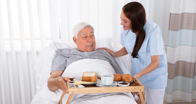 Питание для лежачих больных: сухие и жидкие смеси