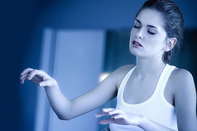 Снохождение у взрослых людей: симптомы и лечение лунатизма