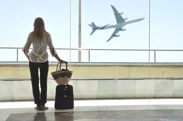 Как пенсионеру приобрести субсидированные авиабилеты в 2020 году: льготные направления и участвующие авиаперевозчики