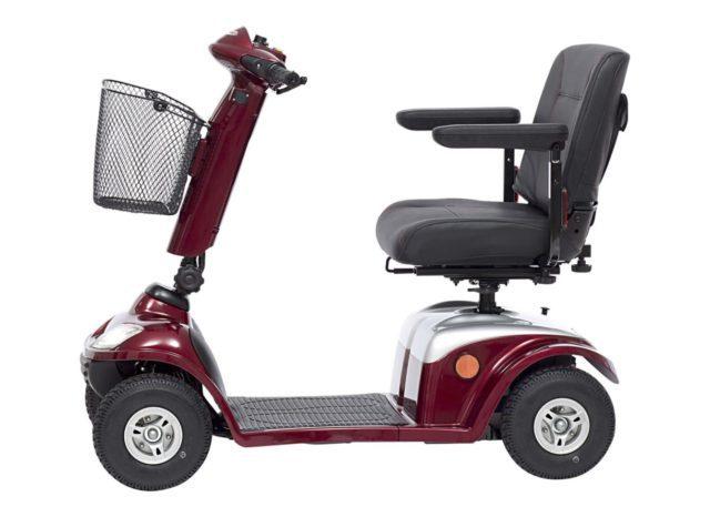 Электрический скутер для инвалидов: виды и технические требования