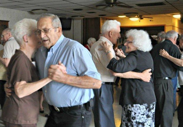 Арт-терапия для пожилых людей и ее виды