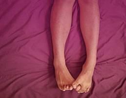 Как укрепить сосуды и вены на ногах при варикозе в пожилом возрасте: упражнения и витамины