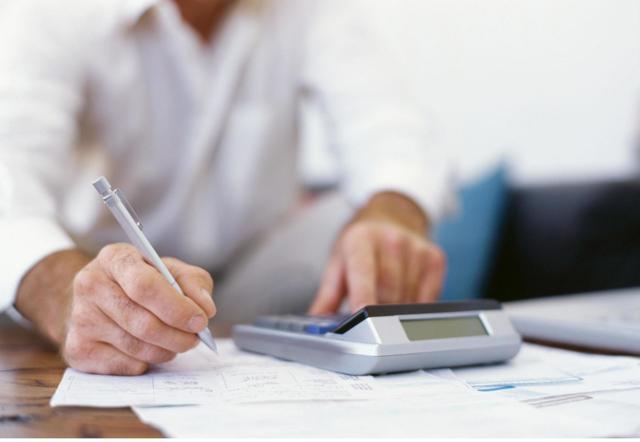 Особенности расчета стажа для больничного листа в 2020 году: учет страхового и трудового стажа