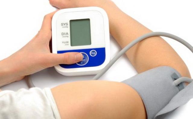 Лучшие упражнения Су-Джок терапии в пожилом возрасте: лечим гипертонию, суставы и последствия инсультов