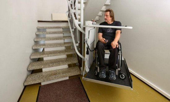 Подъемники для инвалидов-колясочников: виды и типы, видео
