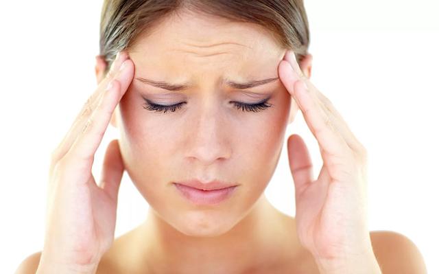 Лечение головной боли у пожилых людей: таблетки и народны средства