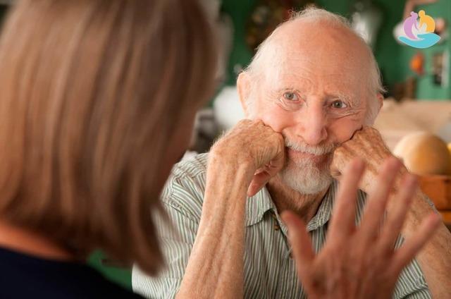 Потеря памяти у пожилых людей: симптомы и лечение