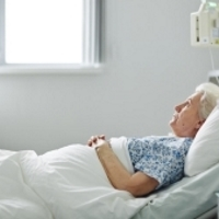 Частые судороги ног у стариков: первая помощь или как унять боль