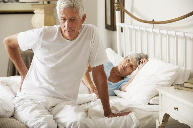 Ортопедический матрас для пожилого человека: как выбрать