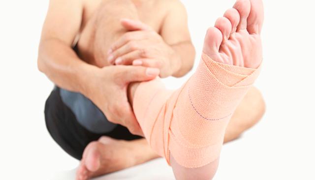 Как лечить ахиллобурсит в домашних условиях: компрессы и прогревание