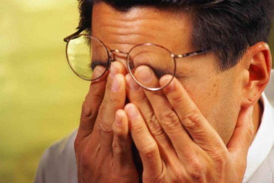 Конъюнктивит среди пожилых людей: симптомы и лечение