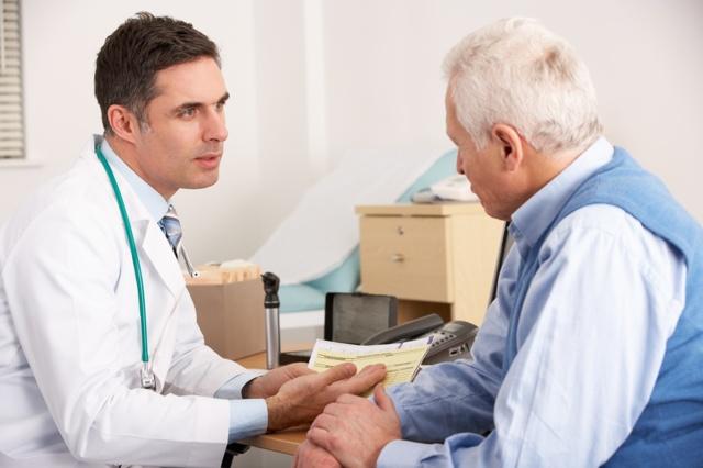 Как развивается рак у пожилых людей: симптомы и протекание заболевания