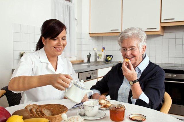 Образец трудового договора с сиделкой для пожилых: 2020 год