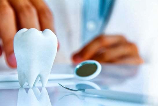 Льготное протезирование зубов инвалидам 1, 2, 3 группы: необходимые документы и справки