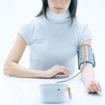 Измерение артериального давления тонометром (ручным и электронным)