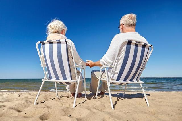 Как работающему пенсионеру получить дополнительный отпуск в 2020 году: необходимые документы для оформления