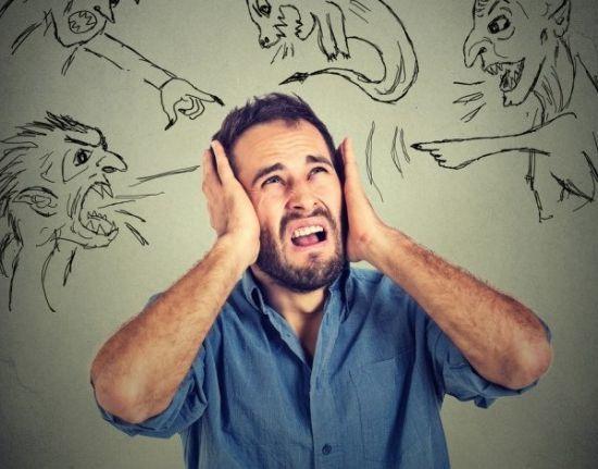 Галлюцинации у стариков, основные симптомы и что при этом делать